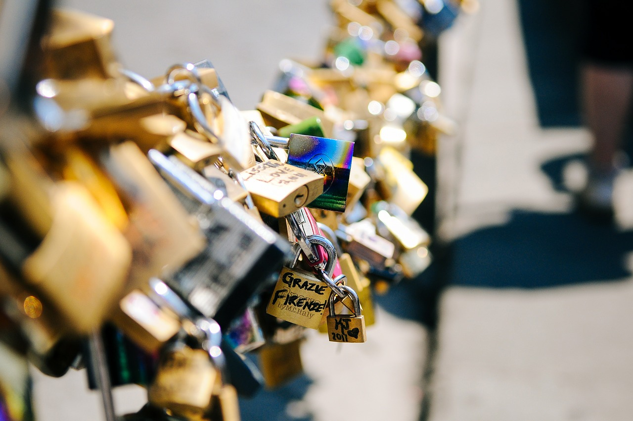 most miłości - kłódka dla zakochanych