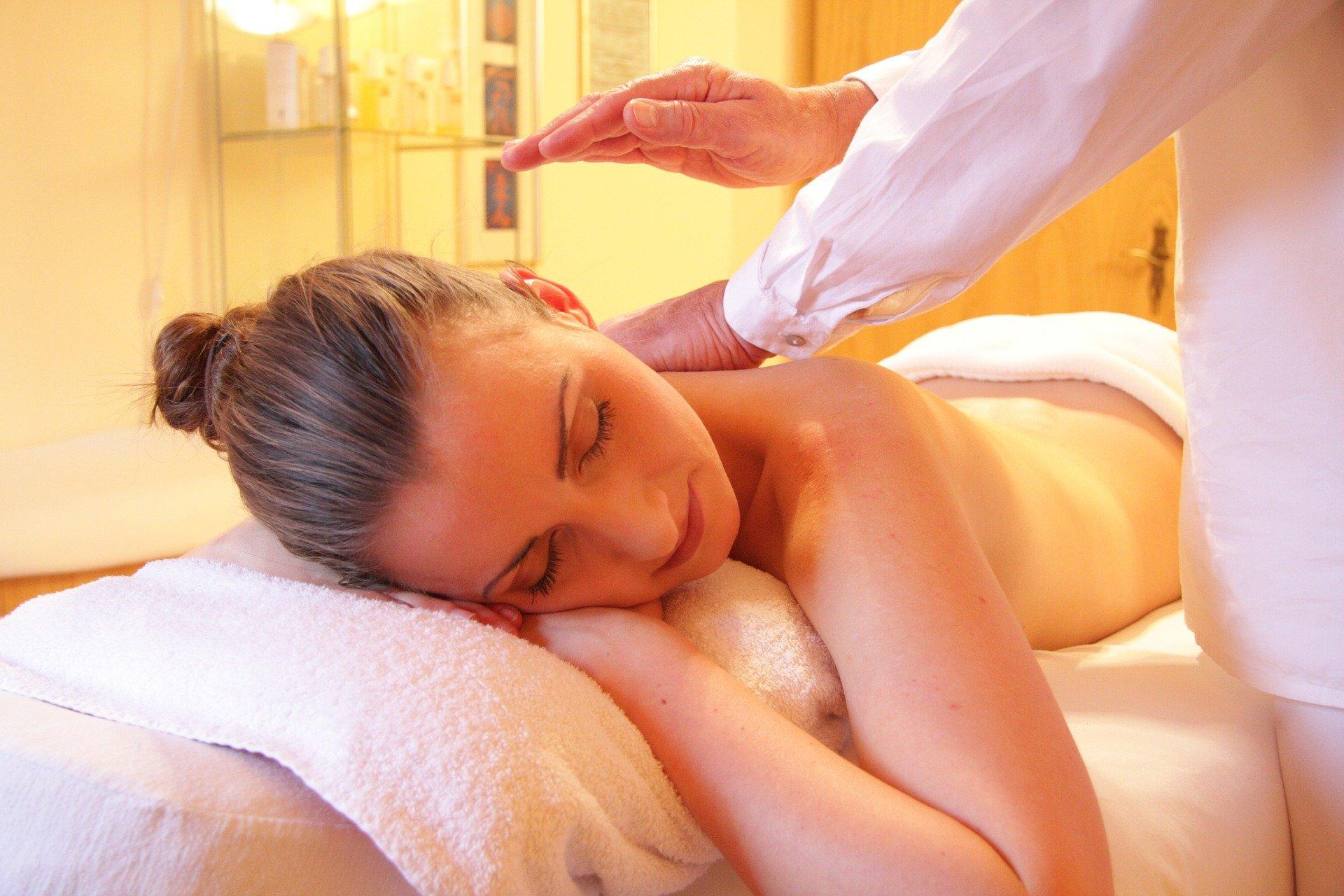 Prezent dla siebie samej - masaż spa