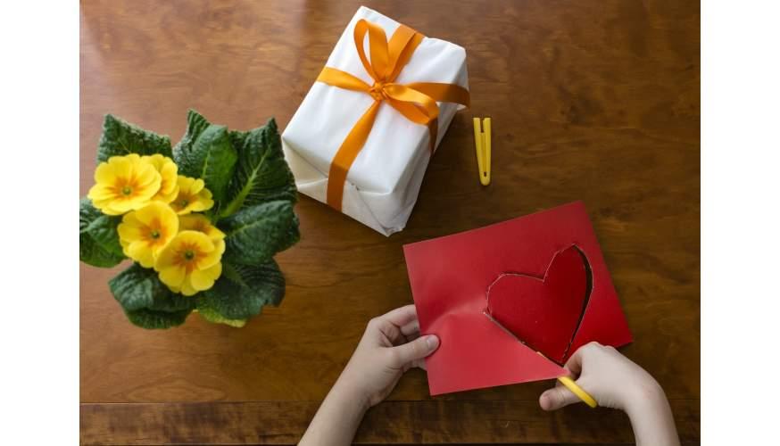 Prezent urodzinowy dla mamy – wyjątkowość ma znaczenie